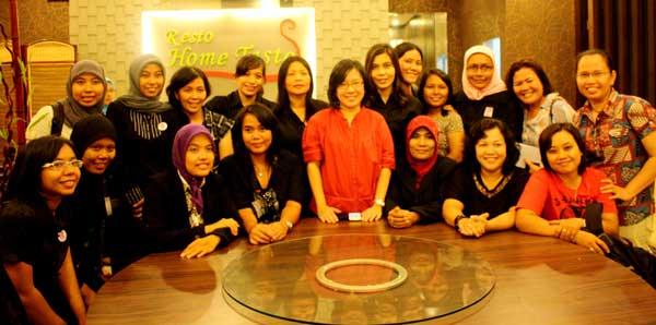005-usai-diskusi-jurnalis-dengan-clara-ng,-maret-2011