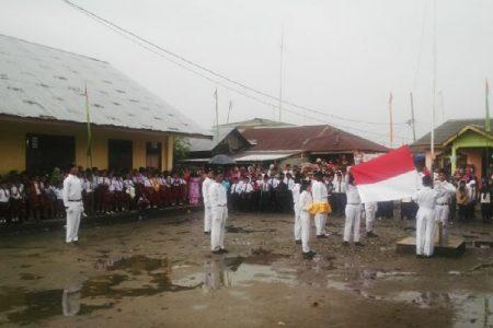 Upacara 17 Agustus di Pulau Jaring Halus