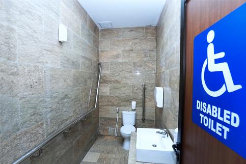 Toilet Difabel untuk Ibu-ibu Sasak Tinggi